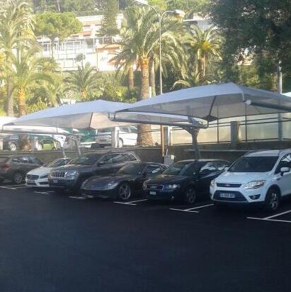 Abris Parking Hôtel 5 étoiles